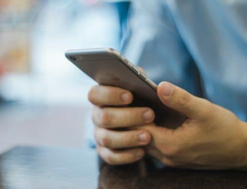 153 gånger per dag tittar vi i mobiltelefonen